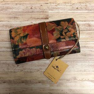 NWT Patricia Nash Floral Murcia Wallet